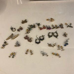 Free People 25 pairs of stud earrings